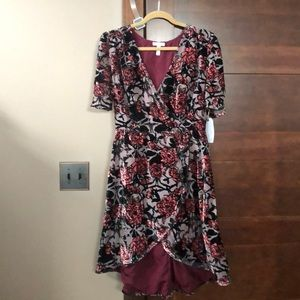 Leith velvet dress size Large new with tags